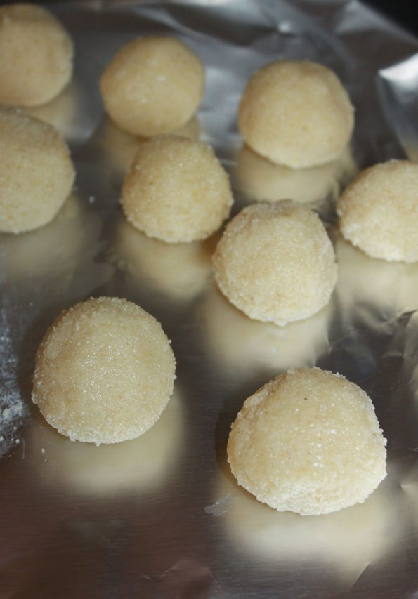 how to make rava laddu