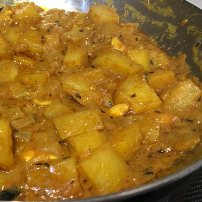 Kootu Curry Recipe – Potato Curry Recipe Easy With Coconut Milk (No Gravy)