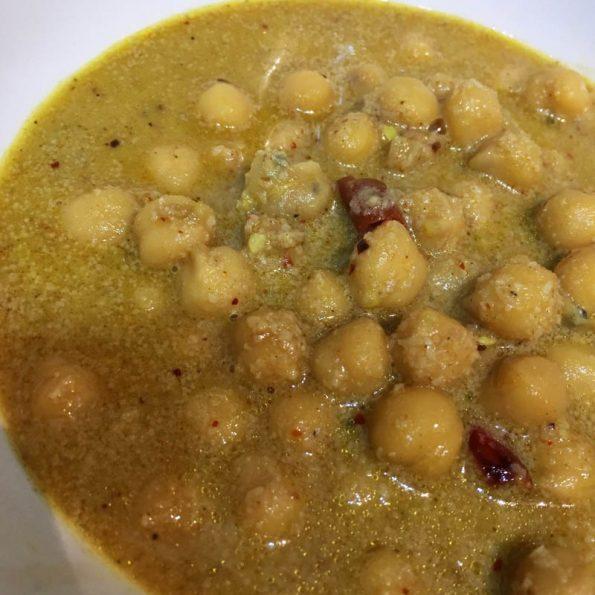 varutharacha kadala curry recipe kerala style