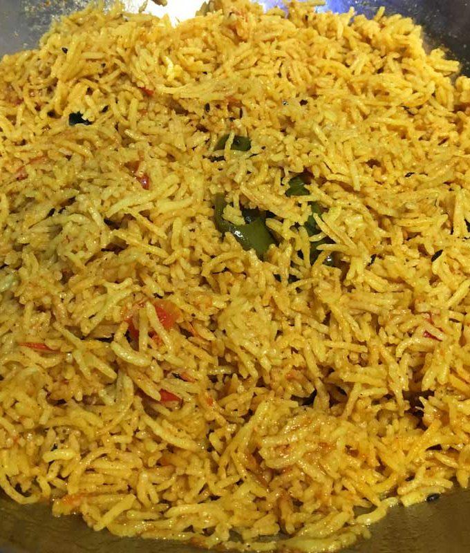 Easy Tomato Rice Recipe With Garam Masala – One Pot South Indian Style Tomato Rice Recipe With Masala