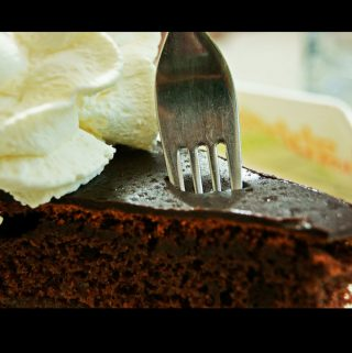 how to fix dry cake