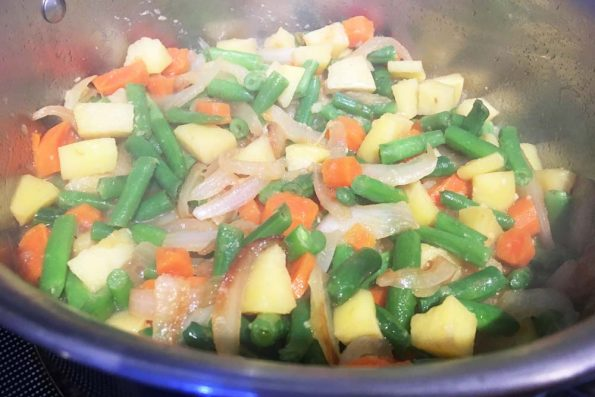 make vegetable rice for dinner