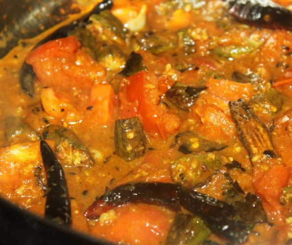 vendakka curry for rice okra curry ladyfinger