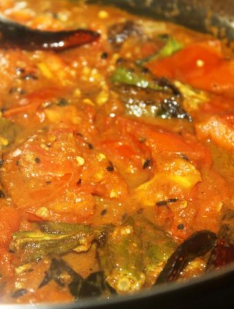 vendakka curry recipe okra ladyfinger curry Indian