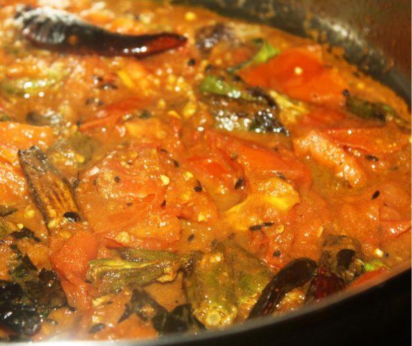 vendakka curry recipe okra ladyfinger curry Indian