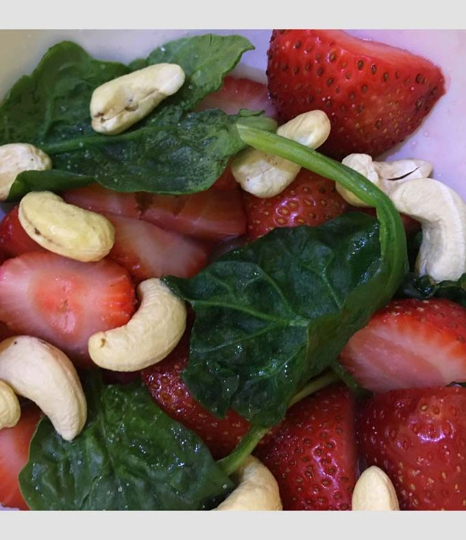 Easy Spinach Strawberry Salad Recipe – Easy Fruit Vegetable Salad Recipe