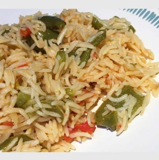 Simple Tomato Rice Recipe With Green Bell Pepper & Spices – One Pot Meal Recipe