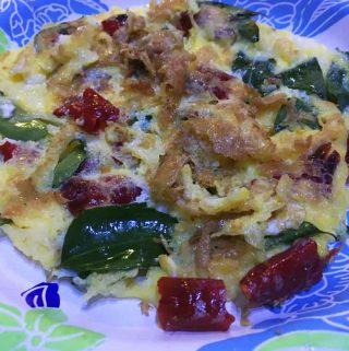 South Indian Omelette Recipe – Easy Kerala Style Egg Omelette Recipe