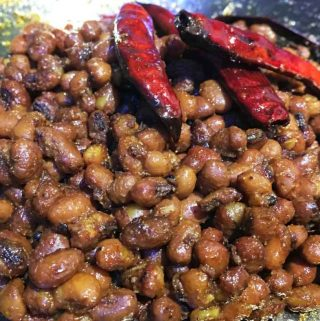 Vanpayar Mezhukkupuratti – Red Cowpeas Stir Fry Recipe South Indian Kerala Style