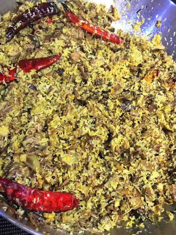 vazhakoombu thoran recipe kerala style