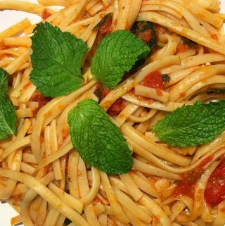 Mint Pasta With Fresh Tomatoes  – Recipe For Pasta With Fresh Tomatoes & Mint Leaves