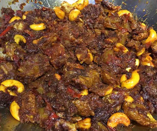 Make Dry Potato Curry Recipe – How To Make Dry Potato Curry Using Oven Roasted Potatoes
