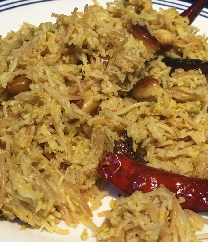 How To Make Vermicelli Upma With Roasted Coconut & Masala (Without Onions)