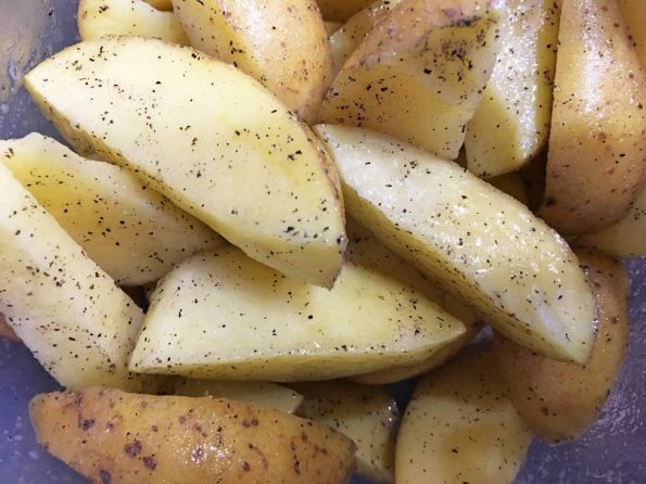 how to roast potato wedges in the oven
