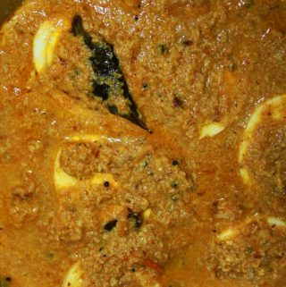 Chettinad Egg Curry Recipe With Coconut – How To Make Chettinad Egg Curry With Roasted Coconut And Spices
