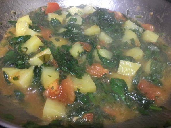 spinach potato curry for chapathi