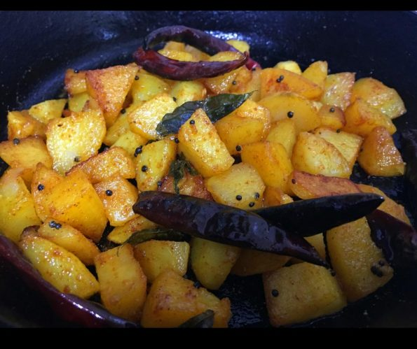 potato mezhukkupuratti recipe