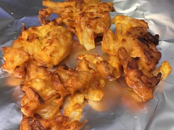 how to prepare ulli vada recipe kerala style