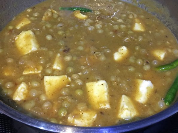 peas paneer curry recipe without tomatoes