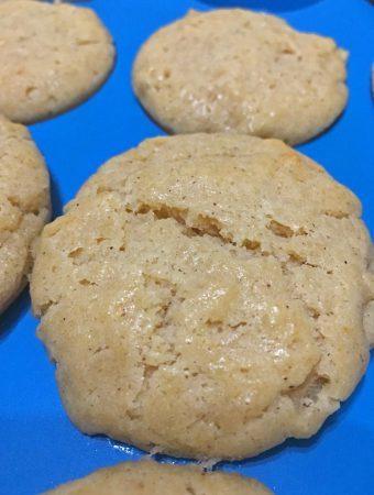 moist cinnamon applesauce muffins recipe