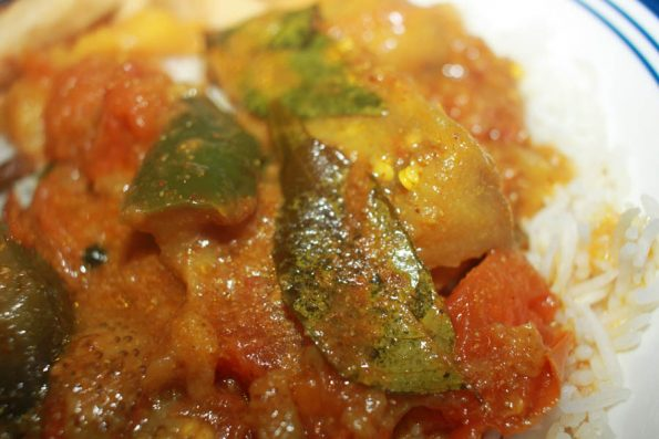 how to make brinjal curry for chapathi and rice