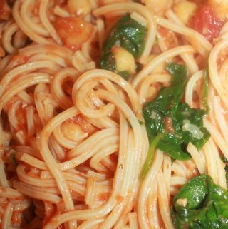 pasta with chickpeas and spinach