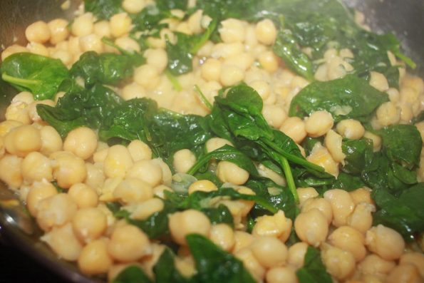 spaghetti rigati recipe with chickpeas and spinach