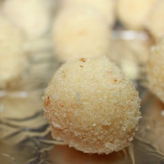 coconut rava ladoo recipe south indian style