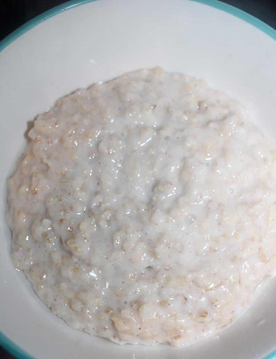 how to make plain oats porridge on stove top