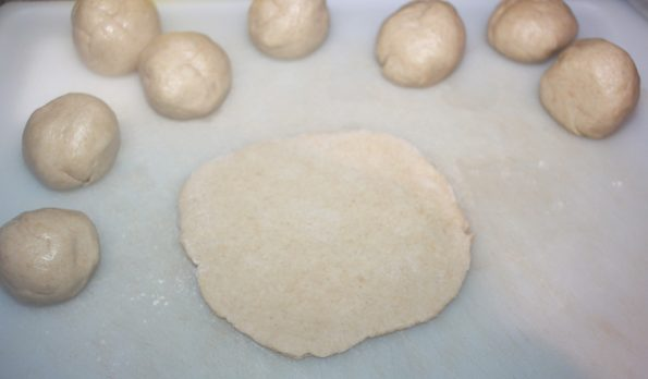 how to roll and make poori