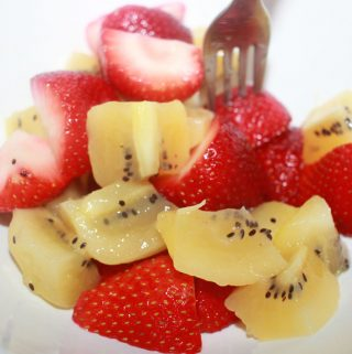 kiwi salad with strawberries