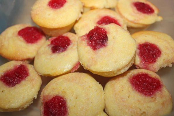 mini cornbread muffins recipe with cranberry sauce topping
