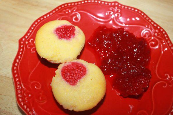 mini cornbread muffins with leftover cranberry sauce