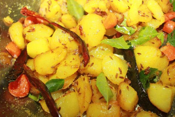 aloo gajar dry curry recipe