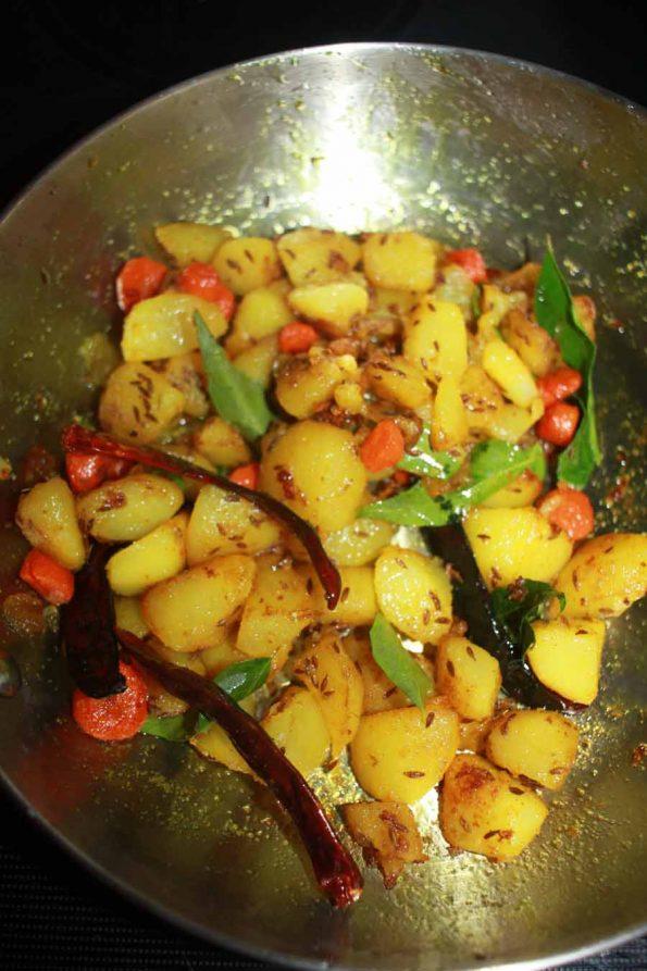 jeera aloo gajar dry curry recipe