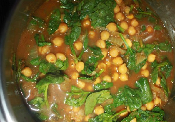 chickpea spinach curry indian recipe