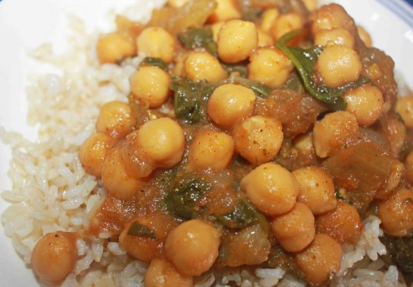 indian chickpea spinach curry with brown rice