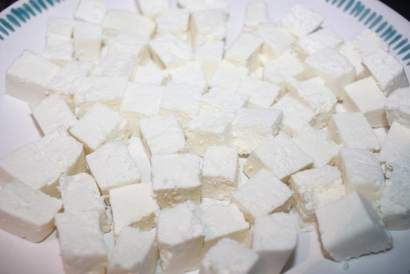 paneer cubes to make palak paneer