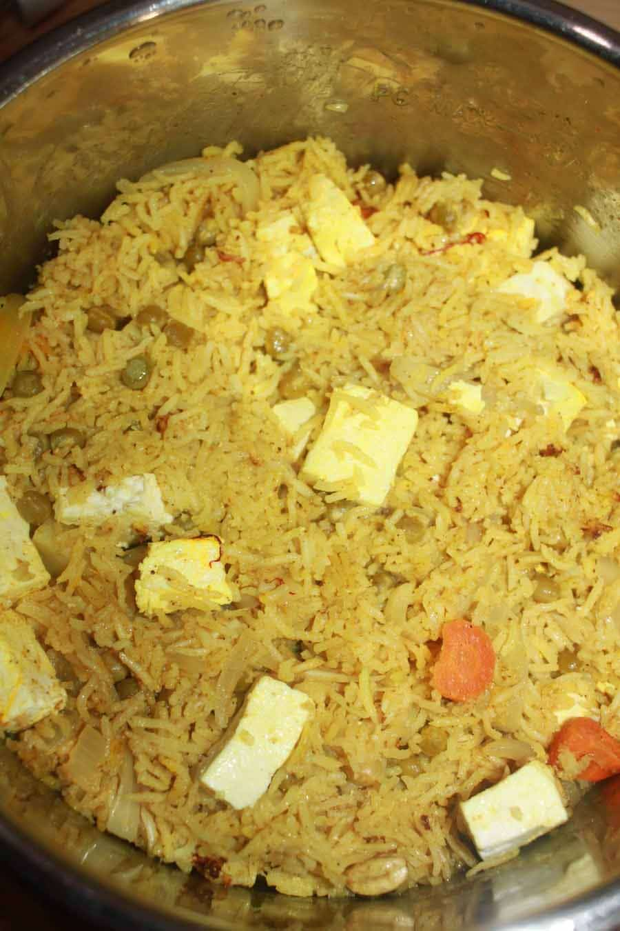 instant pot paneer biryani recipe with vegetables