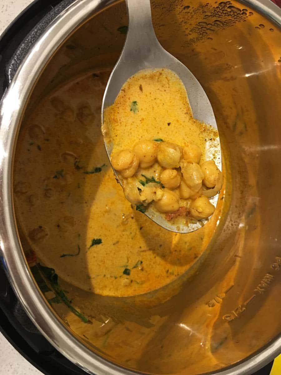 garbanzo beans curry