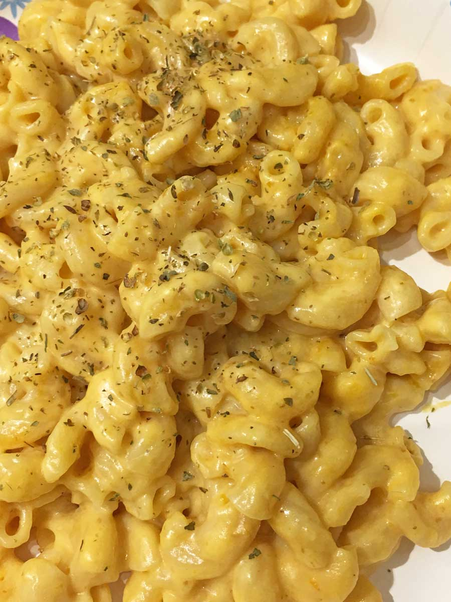 instant pot pumpkin mac and cheese with sour cream