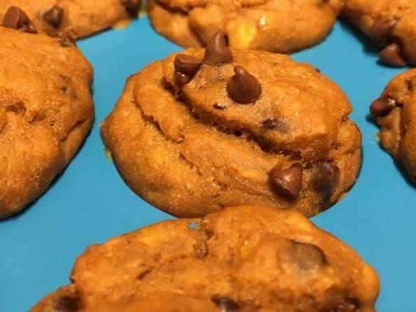 pumpkin chocolate chip muffins vegan recipe