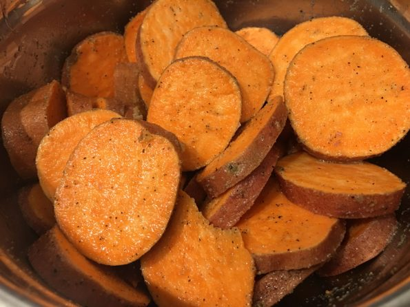 seasoned sweet potato slices