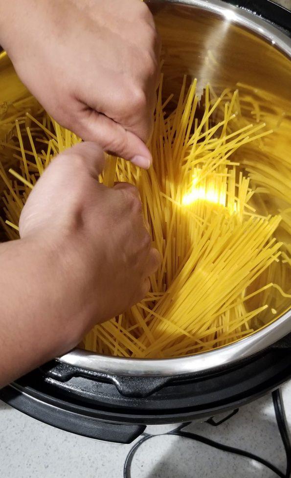 break spaghetti noodles for instant pot