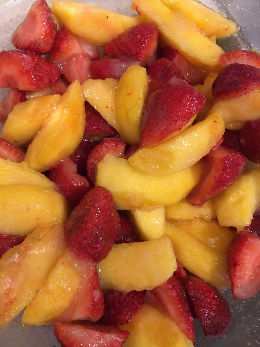 fruit filling for strawberry peach cobbler