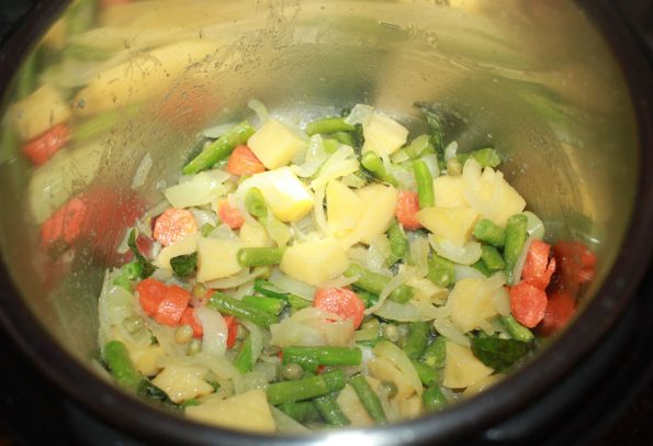 sauteeing vegetables for instant pot upma
