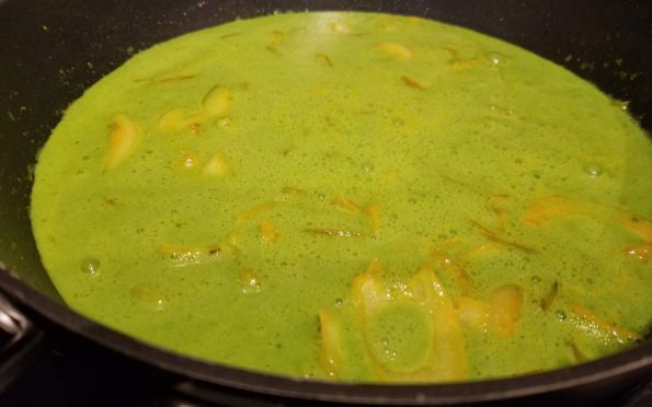 spinach yogurt gravy in pan
