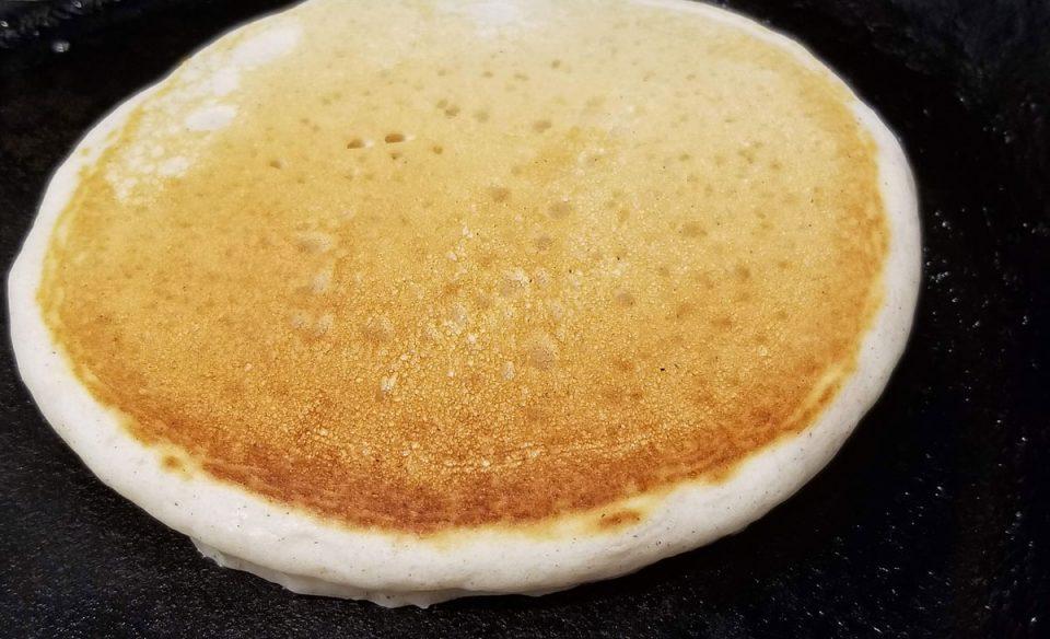 cinnamon vanilla pancakes eggless