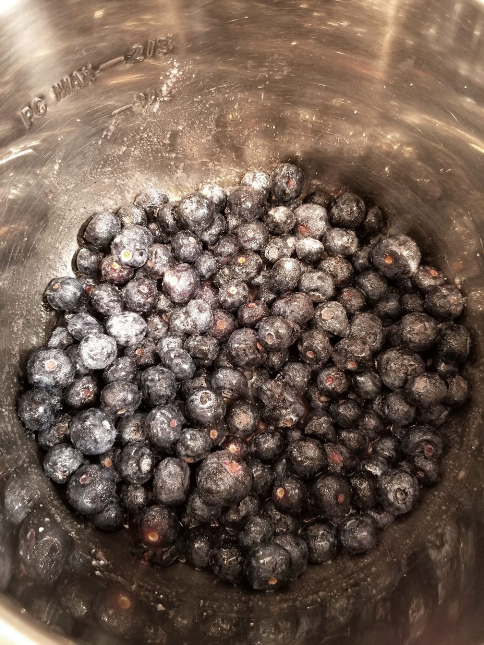 making blueberry sauce