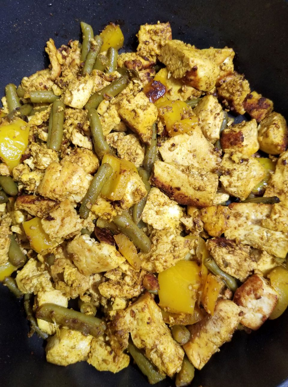 tofu scramble with indian spices, bell peppers and green beans